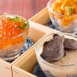 「その日の珍味3種盛り合わせ 」日替わりで仕入れる旬の珍味をご提供。季節のうつろいを感じながらご堪能ください。