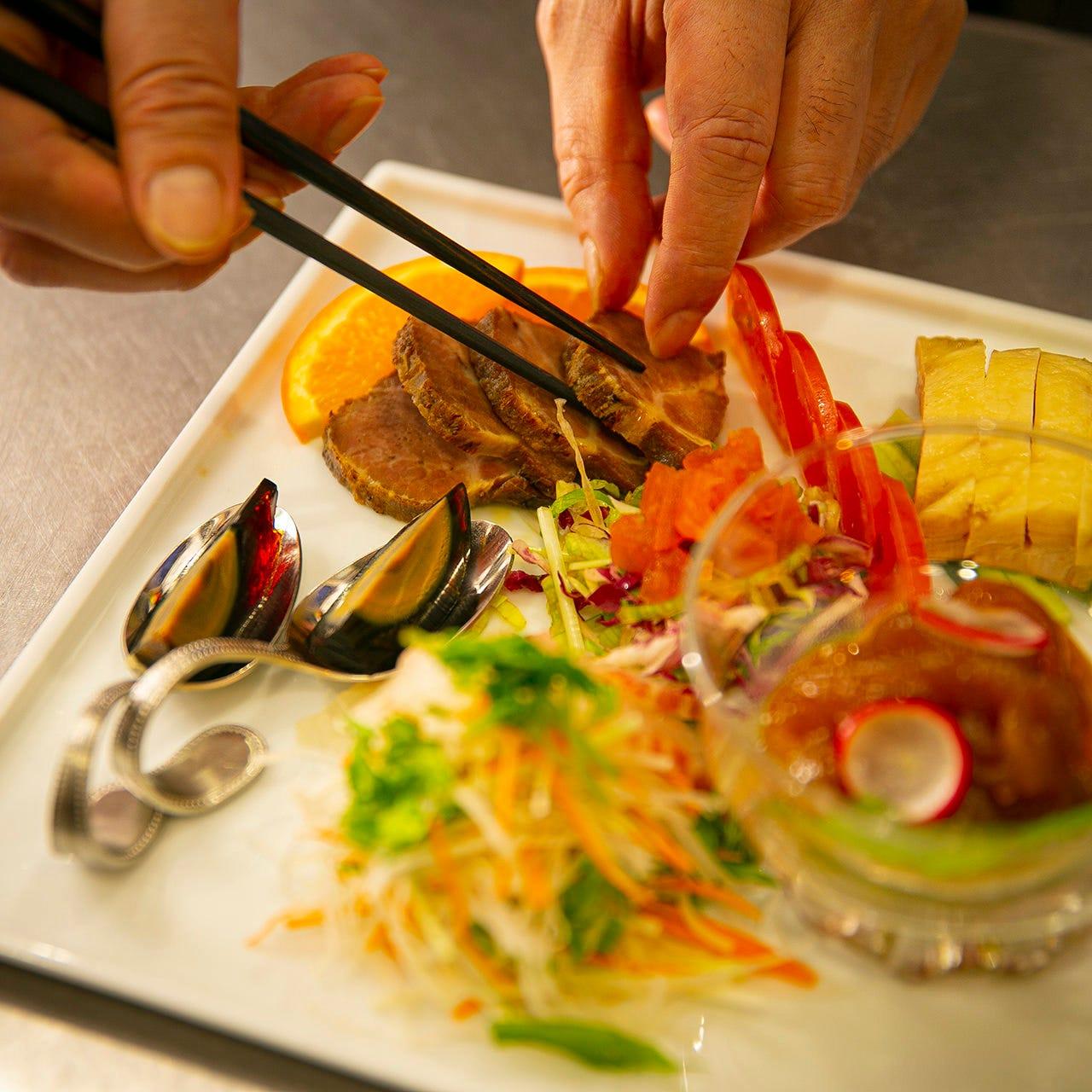 シンプルな美味しさを心がけ、皆様にご満足いただける一皿を