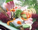 新鮮なお魚もどうぞ! コース料理は飲放付2,860円税別~!