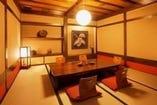 大小個室席ございます。堀こたつ式と洋椅子対応がございます