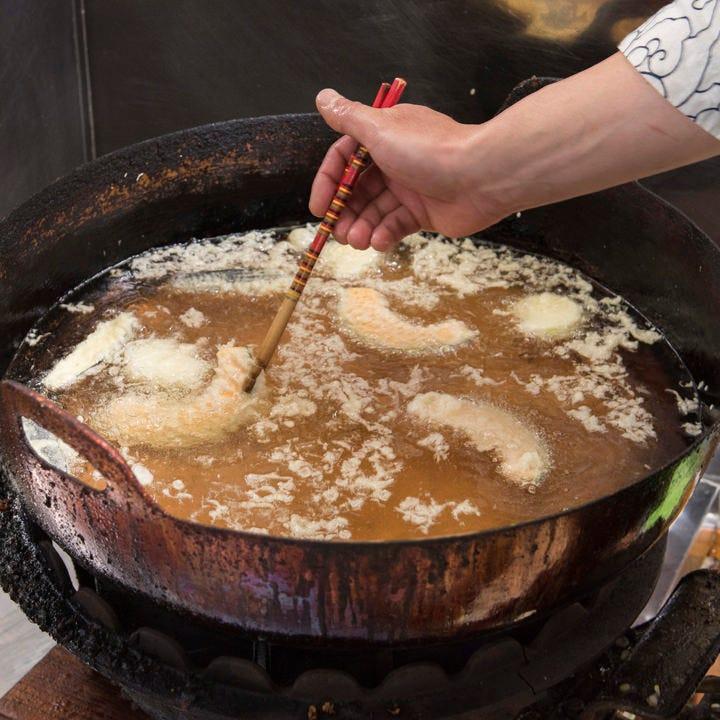 揚げたて天ぷらを堪能!