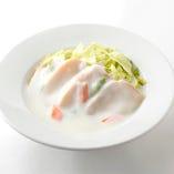 濃厚な味わいのアワビを独自のクリームで煮込んだ逸品「アワビのクリーム煮」