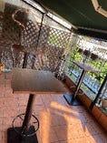 ハイテーブルのテラス席