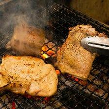 炭火で焼き上げる厳選食材を堪能