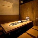 上野駅近のスタイリッシュ空間。個室やBOX席で上質な食べ放題。