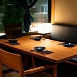 ~4名様用のテーブル席