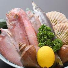 市場から直送鮮魚を惜しげもなく使用