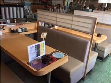 本格グルメ系回転寿司 海都 那珂川店 店内の画像