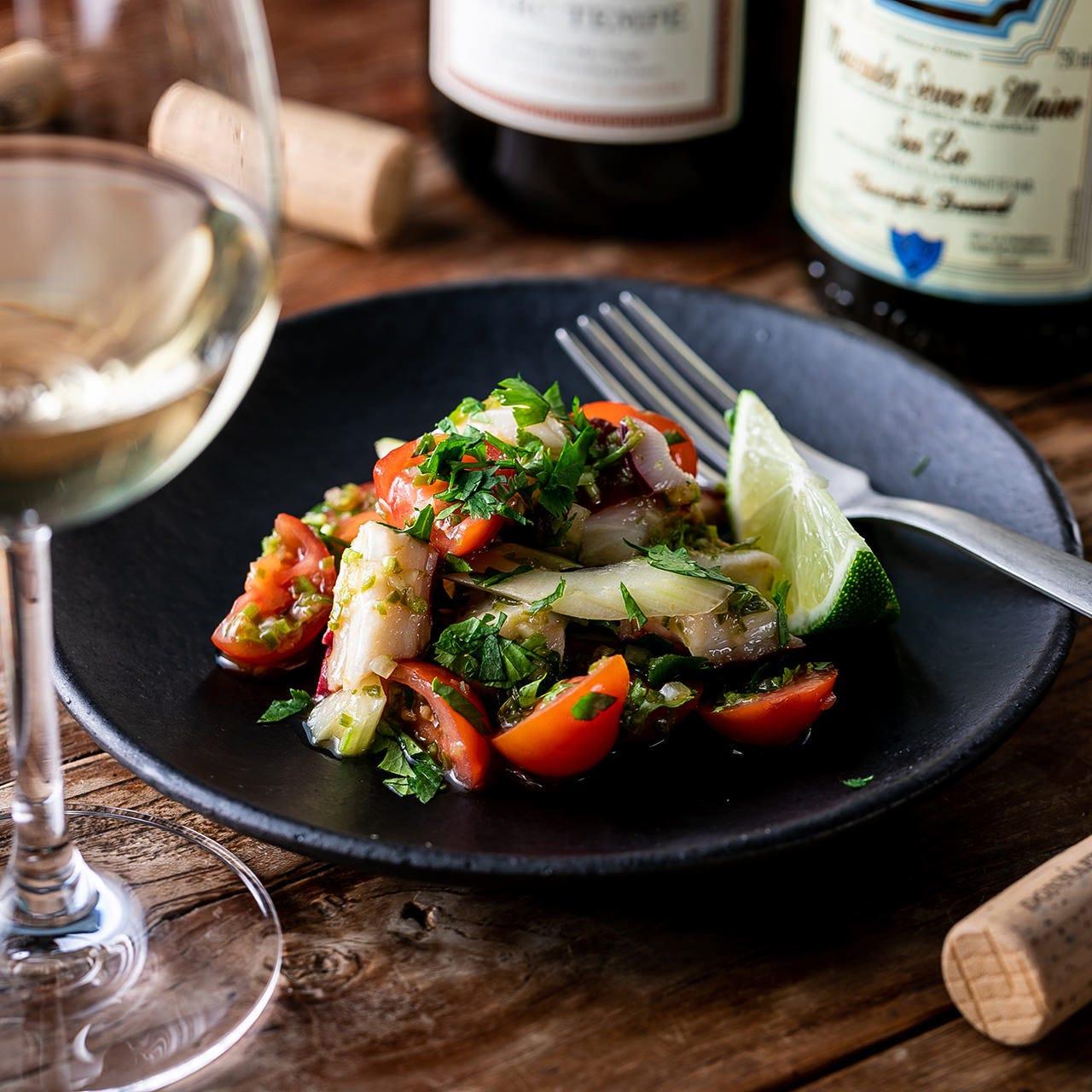 新鮮魚介たっぷり!ペルー発祥「セヴィーチェ」は白ワインと