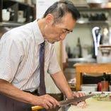 ホテルレストランで長年腕をふるってきた料理長がおもてなし。