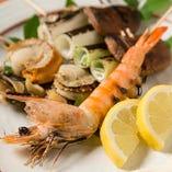 海鮮/肉/野菜、様々な食材を炭火串焼きでご堪能ください。