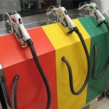 日本初給油機からビールが出ます。