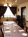 プライベートな特別室は3~8名様までご利用戴けます。