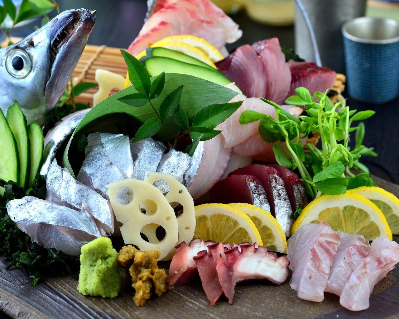 魚料理が自慢です。まずはお造りから