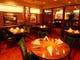 広々としたテーブル席は家族や友人同士のお食事に最適です。