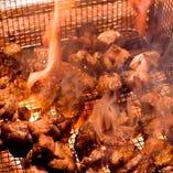 柔らかさの中に適度な歯ごたえ◎当店人気の地頭鶏の炭火焼き♪