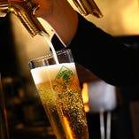 バーカウンターで注がれる生ビールは、お料理と相性抜群です!ご一緒にいかがですか?