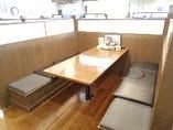 【禁煙】1席最大4~6名様のフローリングのテーブル席