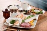 ステーキも海鮮も味わえる「ニュー松坂ランチ」(イメージ)