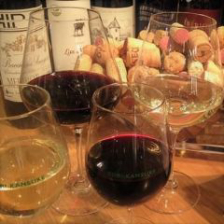 ワインとあわせる新感覚の焼き鳥バル