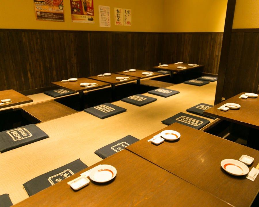 少人数用の個室や広々掘りごたつも 30名様迄各種宴会も対応可能