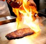 ステーキやお寿司などシェフによるパフォーマンス