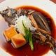 じっくりと味が染み込んだ煮魚は酒がすすみます
