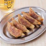 寅や 特製黄金焼餃子