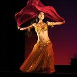 毎週金曜日20:30~ベリーダンサーによるパフォーマンスをお楽しみいただけます(無料!!)