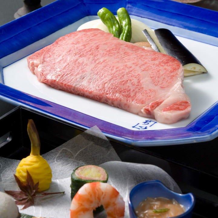 お肉の旨味をダイレクトに味わえる『特上焼ロース懐石コース』