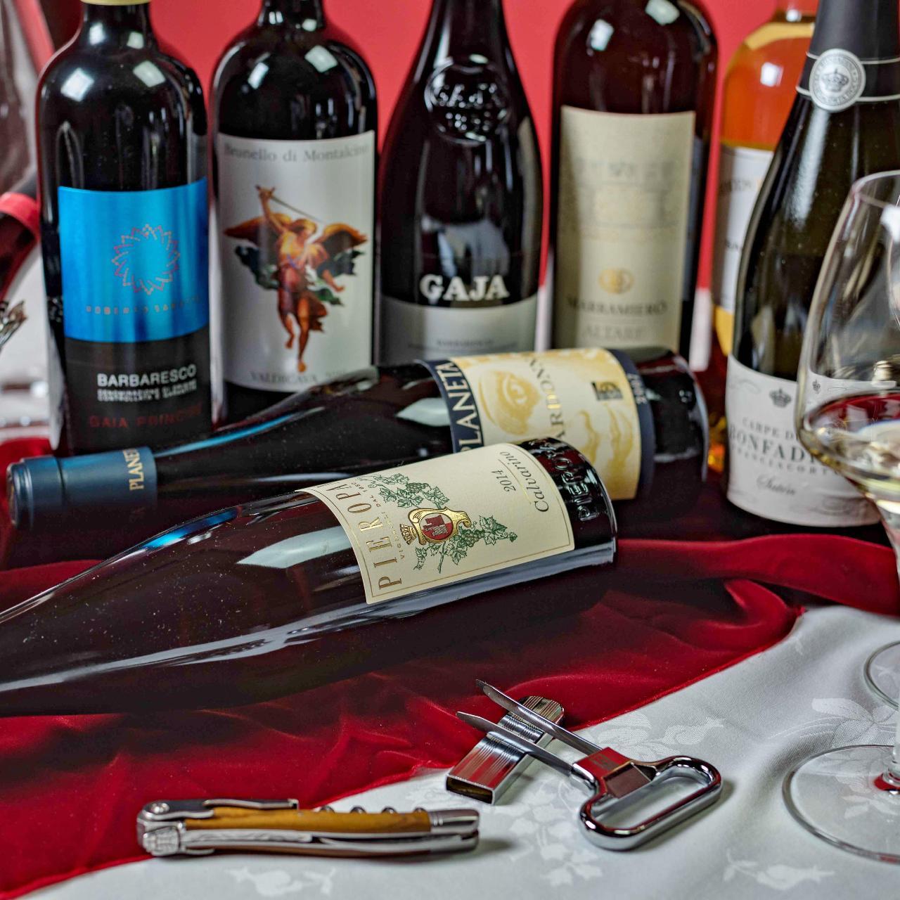 主役級の厳選ワインは100種以上常備