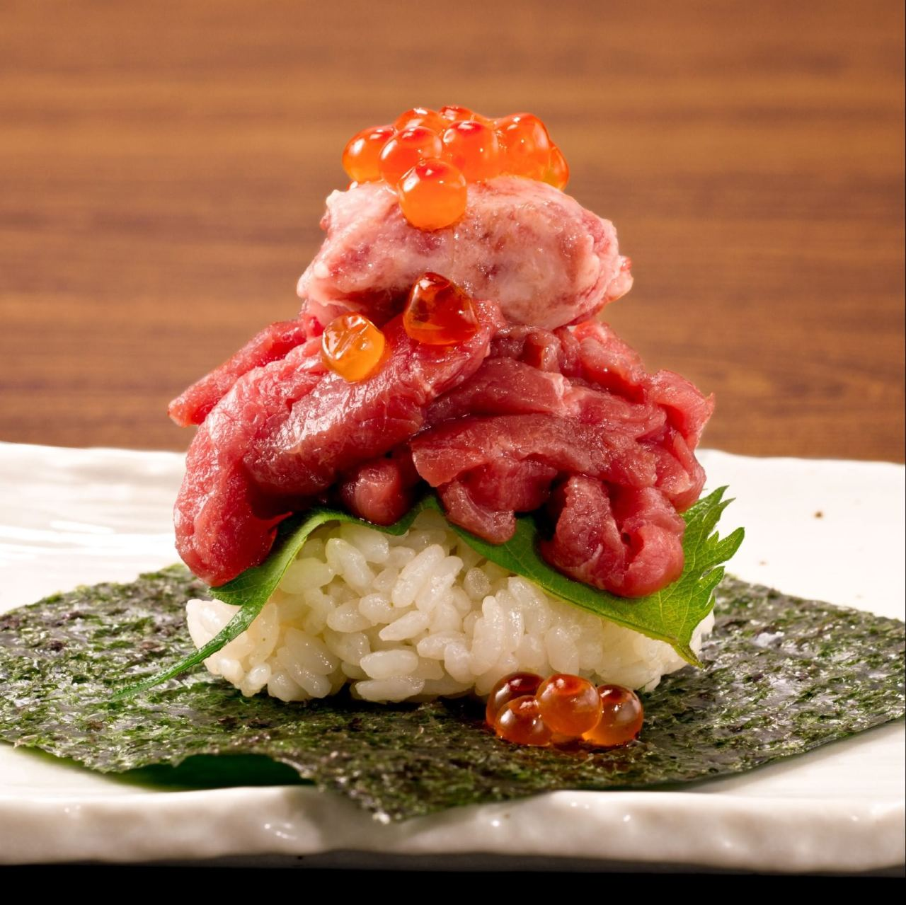 津田沼肉寿司の人気メニューをお楽しみください!