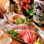 早川漁港の新鮮鮮魚を使用した豪華刺身盛り合わせは宴会の目玉◎