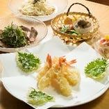 揚げたてサクサクの天ぷらを、リーズナブルに楽しめます。
