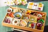 宝石箱 季節のおばんざいと6種類の甘味が嬉しいお献立
