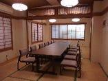 10名様以上のお客様向け、ご年配のお客様にも配慮した座椅子で法事等にも最適な和個室