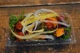 横須賀野菜のミニサラダ