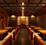 歌舞伎の寄席に倣った空間で南禅寺名物・湯豆腐を・・・