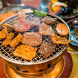 毎月6種の国産牛肉がなんと 【半額】!!