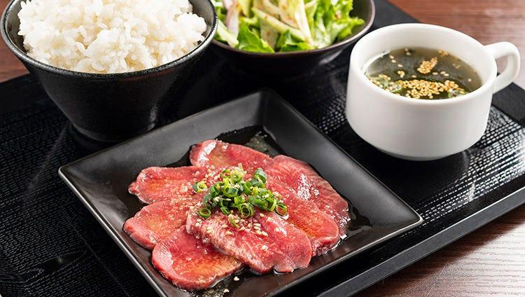 焼肉定食600円~!ライス大盛り無料