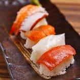 職人が握るお寿司は、新鮮なネタが決め手!