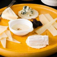 プレミアムチーズの盛り合わせ