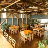 ◆テーブル席(~4名様)/開放的な空間が自慢の特等席