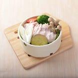 6.阿蘇地鶏蒸し風 りんどうポークと温野菜セイロ
