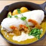 海老南蛮カレーの白いスフレオムライス ~自家製タルタルソースで~