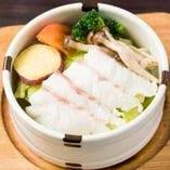 桜鯛と春野菜のセイロ蒸し ~自家製おろしポン酢添え~