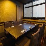 プライベート空間で気兼ねなく会話を楽しんでいただける個室