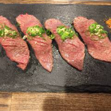 炙り肉寿司 4貫