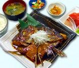 本日の地魚(焼きor煮付け)とお刺身定食