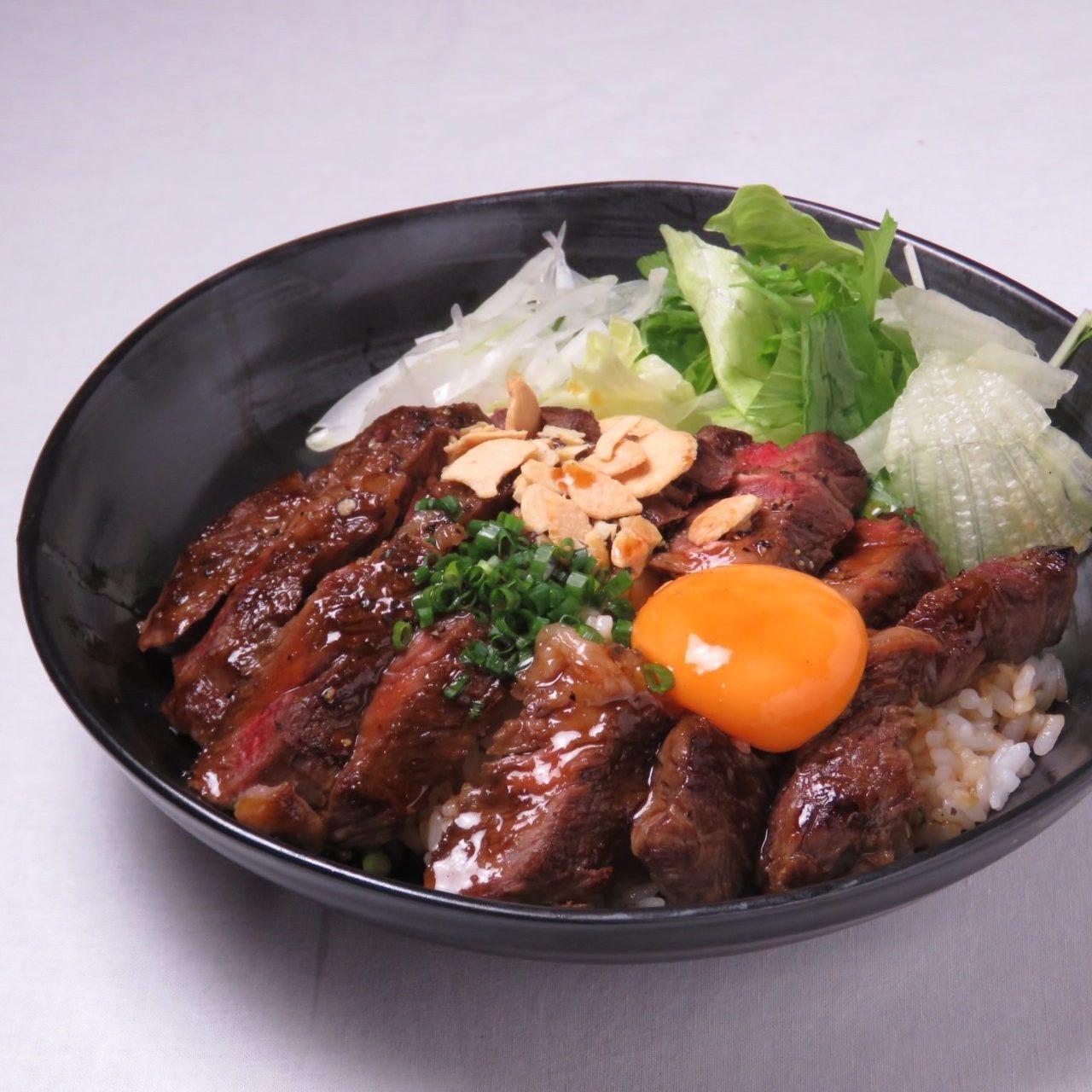 阿蘇の赤牛ステーキ丼